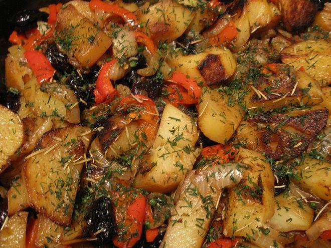 Картофель тушеный с черносливом, как приготовить по рецепту пошагово с фото
